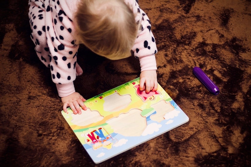 preschool puzzle activity cognitive development