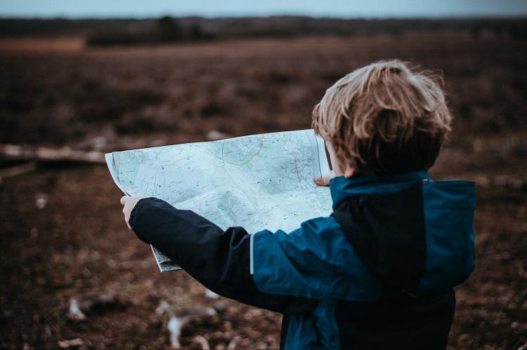 autonomous child using a map